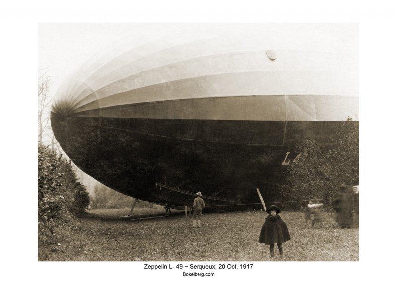 Zeppelin - sepia